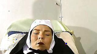 French mature nun gyneco piss nonne belle soeur
