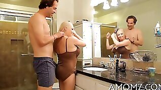 Petite blonde honey pot and gets her pussy fucked on bathroom counter