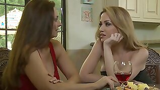 Naughty and turned on lesbian Mindi Mink can think about eating pussy only