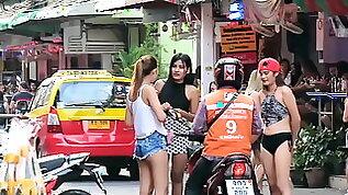 Prostitute PATTAYA STREET LADY BOY et LADY