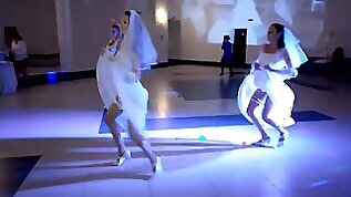 The brides sexy dance