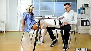 Nerd with glasses bangs his hot blonde nurse Lola in red lingerie