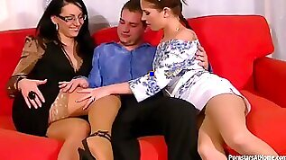 Sexy Brunette hottie Gets A Mouthful Of Piss In A Threesome