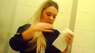 Hidden camera in the schoolgirl wc