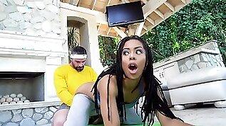 Yoga newbie takes big throbbing cock in her cunthole