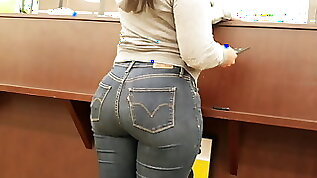 Perfect apple booty in Tight !!