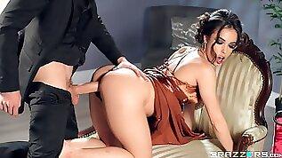 MILF ends a good sex play with cum on her round ass