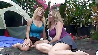 Mature blondes definitely know how to please their sexual needs together