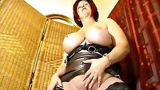 Massive big beautiful woman virtual Facesitting