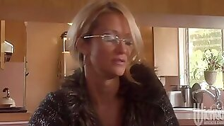 Mature Blonde Babe Wants A Young couple Fuck Buddy