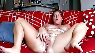 MOMS PANTIES PULLED TO THE SIDE AND PEE