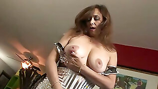 Erotic solo video with kinky brunette milf