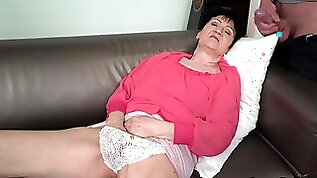 Senior granny fucked on couch before facial