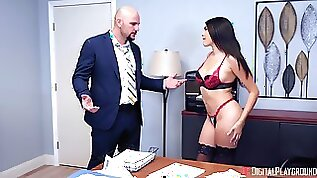 Dude does dirty things to dazzling Stephanie West on a desk