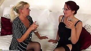 Anieka seduces sexy babe Ilya for a romantic gay session